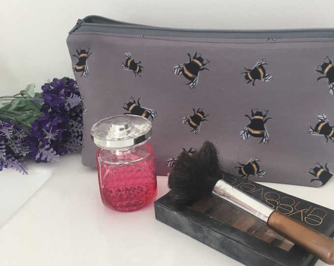 Bee, bumble bee makeup bag, grey makeup bag, for bee lovers, bee gift