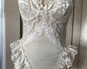 Vintage Bele' Babydoll in Victorian Lace, Medium