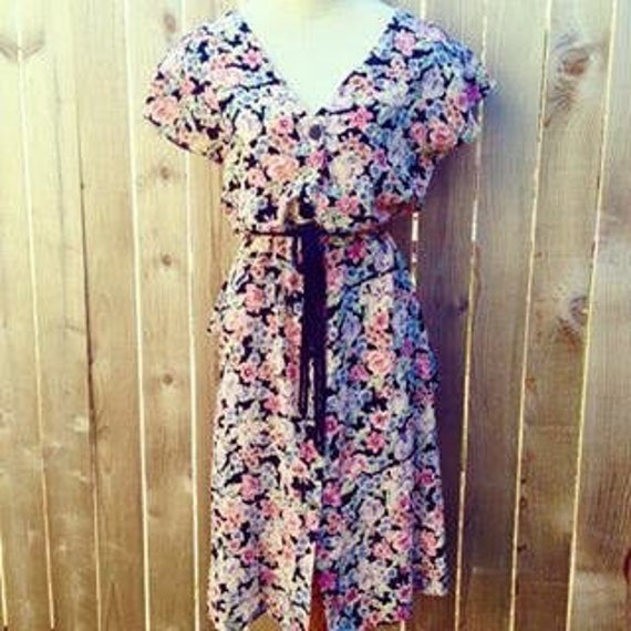 SALE Vintage 30s/40s Style Floral Day Dress with A