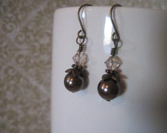 Dangle earrings - swarovski pearls and bicines light silk