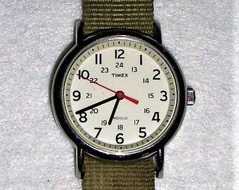 c7631aac05ca Vintage Timex Indiglo Men Wrist Watch