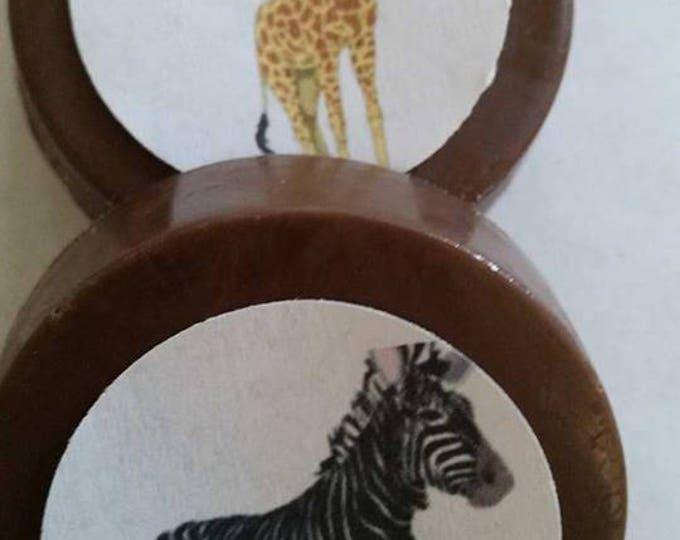 24 Baby Shower /  Baby Announcement Girl / Boy zoo animal Chocolate Lollipops