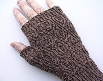 Crème de Noyaux Mitts (PDF knitting pattern)