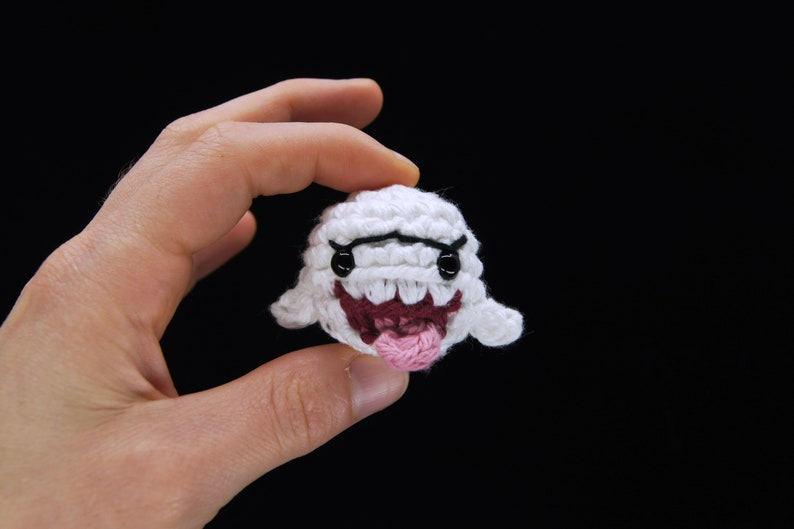 Crocheted Boo the Ghost from Super Mario Bros Keychain / image 0