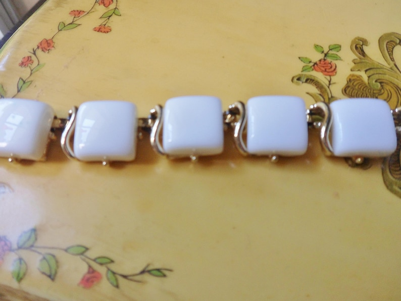 Adjustable White Choker Necklace White Coro Necklace Coro Bakelite Necklace Square Bakelite Beads in Gold Mountings