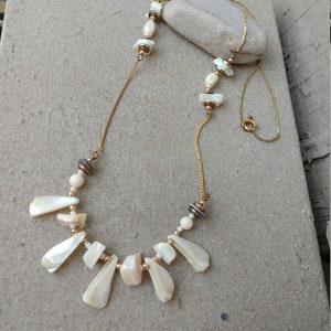 Mother of Pearl carved Open Work Pendant on Sead Bead Choker Necklace Beachy Tropical Poolside Resort Jewelry
