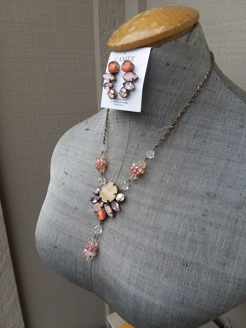 Light Coral Peach Pink Glass /& Gold Tone Beaded Necklace and Earrings Set Bride Bridal Maid of Honor Wedding Fantasy Hanan Hall Jewelry
