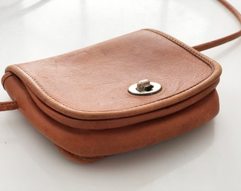 British Tan Leather Small crossbody shoulder strap retro 80s all leather purse silver hardware