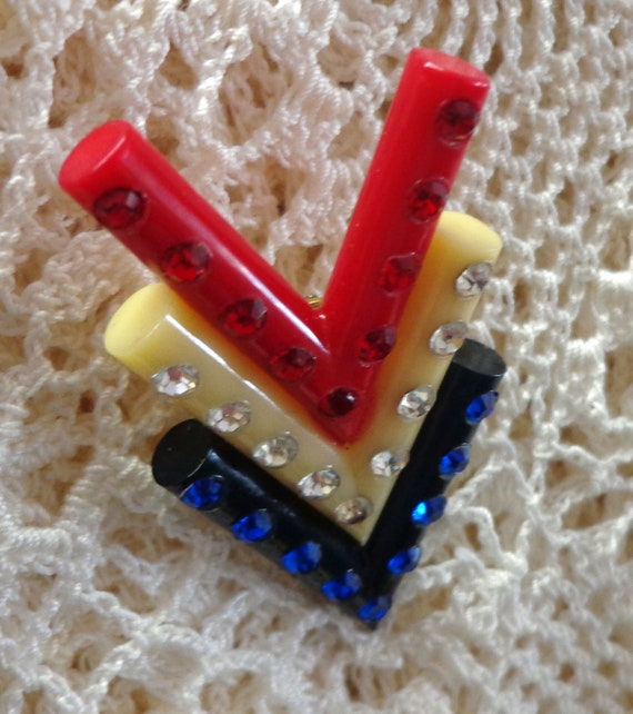 WWII V for Victory Sweetheart Red White and Blue L