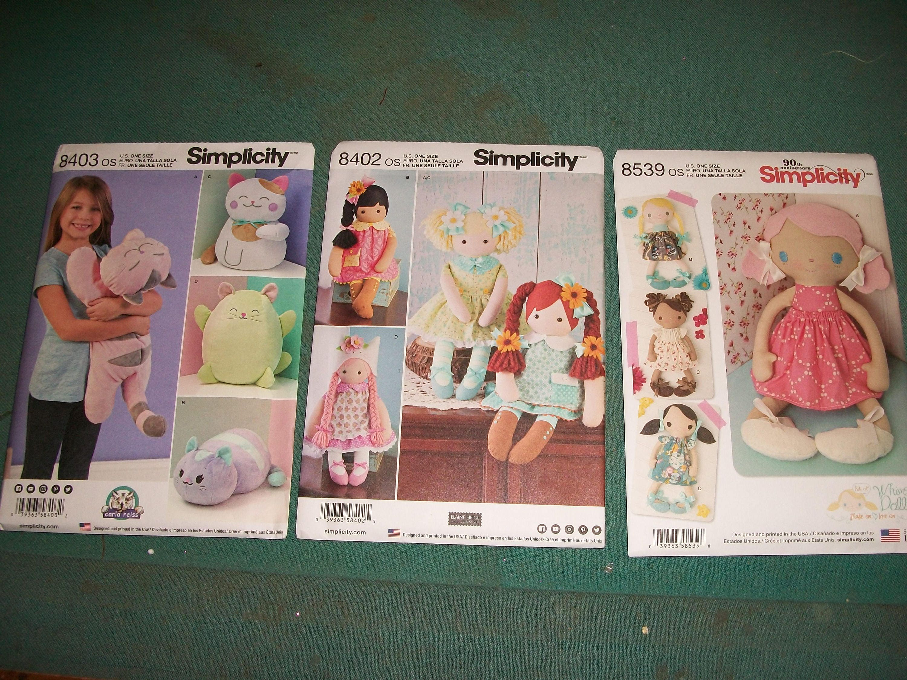 """Paper Simplicity Pattern 8402 23/"""" Stuffed Dolls with Clothes 22 x 15 x White"""