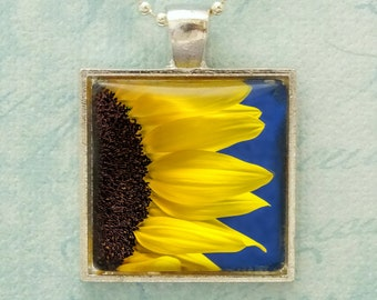 Yellow Sunflower Photo Pendant Necklace, Yellow Brown, Blue Flower Nature Floral Jewelry Nature Lover Jewelry