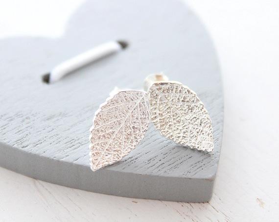 Leaf earrings Stud in silver leaf earrings stud, simple earrings, natural jewelry, tiny leaf earrings, delicate Earrings