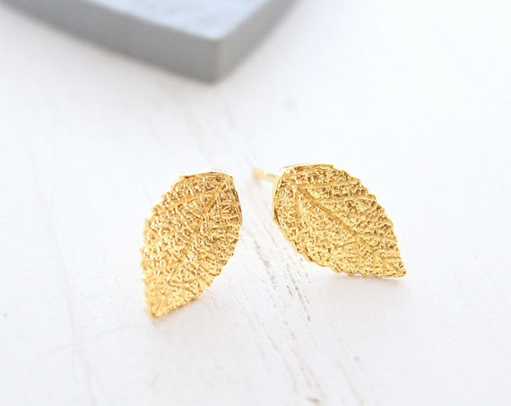 Stud earrings gold leaf earrings stud, simple earrings, natural jewelry, gold Earrings, tiny leaf earrings, everyday Earrings