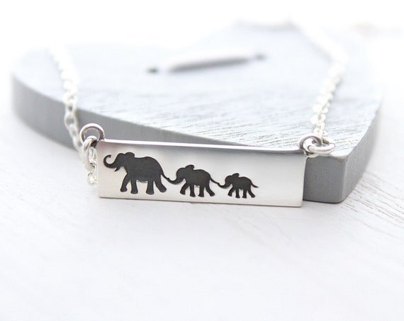 Mama and baby elephant necklace in sterling silver, new mom gift, baby shower gift, Elephant necklace, Mama elephant, Christmas gift