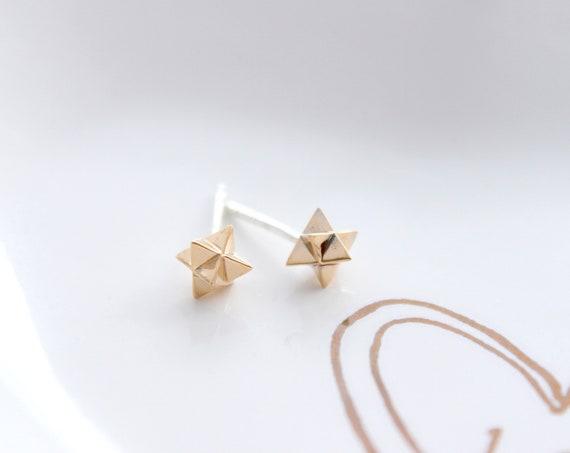 Gold Merkaba Earrings, stud earrings in silver, sacred Geometry earrings, Star, tetrahedron, Positive Energy, Yoga Jewelry