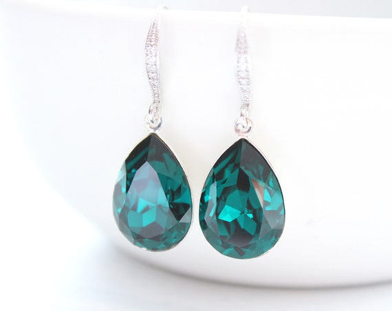 Emerald earrings Bridesmaid Gift in Silver • Green earrings • Bridal earrings • Wedding earrings • Swarovski crystal Earrings EMERALD GREEN