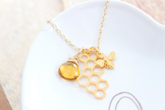 Bumble Bee Necklace gold, Honey Bee Necklace gold, Bee charm Necklace, Queen Bee Charm, Bee Jewelry, comb necklace, citrine gemstone