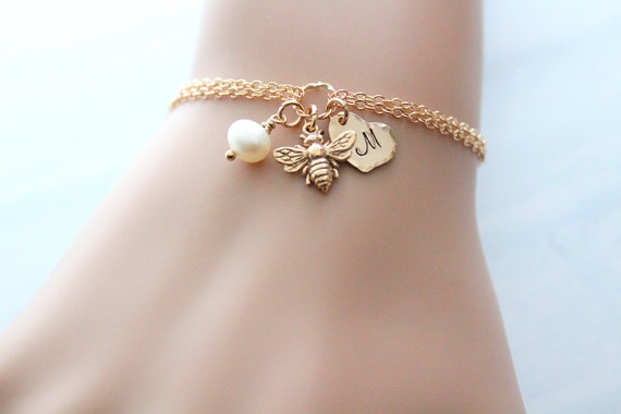 Bee Bracelet Gold Tiny Bee Bracelet , Bumble Bee Bracelet, Bumblebee Bracelet, Honey bee jewelry, Bee Jewelry, Initial charm