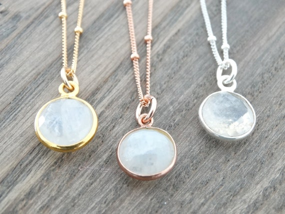 Gold Moonstone Necklace, Moonstone jewelry, Rainbow Moonstone Necklace, Moonstone Pendant, Satellite necklace, Simple Gemstone Necklace