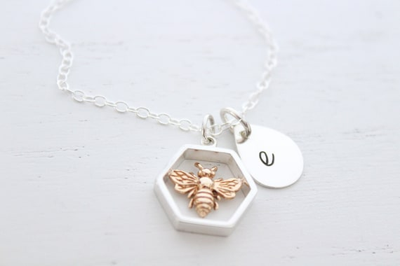 Bee Necklace silver, initial letter charm, Gold Bee Pendant Necklace , Bee Necklace, Graduation Gift, Birthday Gift Christmas