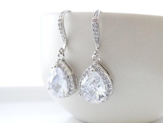White Crystal Wedding Earrings Teardrop Bridal Earrings Cubic Zirconia Bride Earrings Bridesmaid Gift Wedding Jewelry Bridal Crystal earring