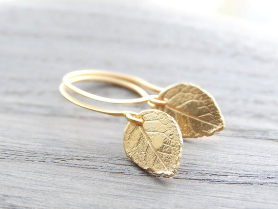 Gold leaf Earrings, Nature earrings, Tiny Gold Leaves Earrings, Gold Earrings, tiny leaf earrings, Leaf Earrings, Everyday Earrings