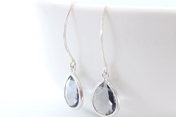 Black diamond earrings in silver for Bridesmaid Gift, Grey earrings, Dangle Earrings, Bridesmaid Earrings, Wedding Jewelry