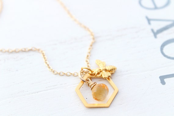 Bee Necklace in gold with citrine gemstone • Honey Bee Necklace gold • Bumble Bee Necklace • Queen Bee Charm with comb necklace
