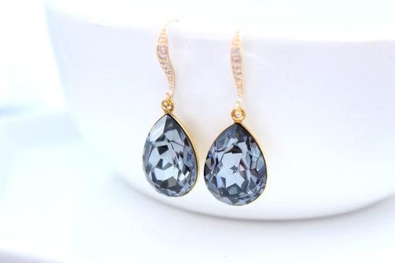 Dark Grey earrings for Bridesmaid Gift in gold • Swarovski crystal earrings for Wedding earrings • Bridal Earrings •  Black Earrings