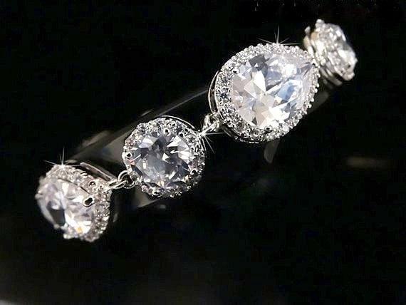 Bridal Bracelet Crystal Wedding Jewelry Halo Crystal Vintage style Rhinestone Bracelet Bride Bracelet Zirconia bracelet Wedding bracelet