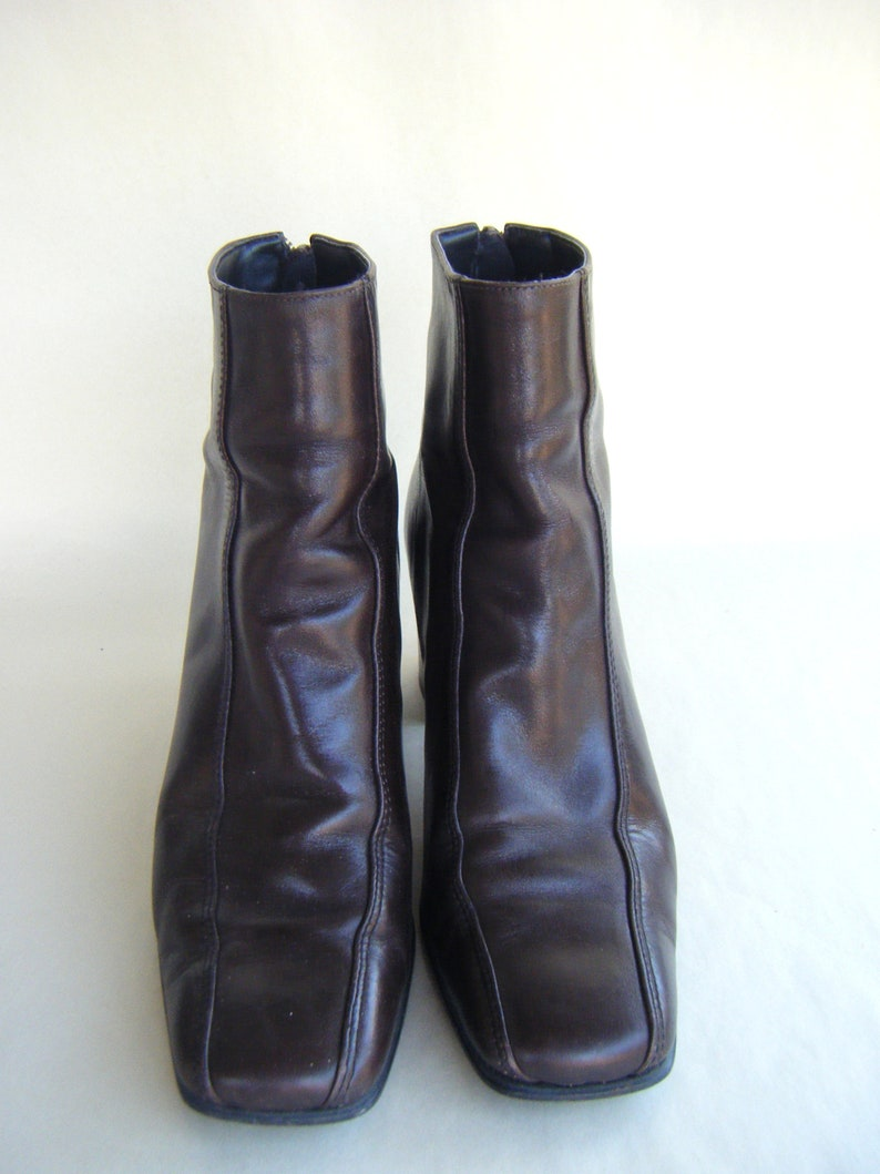 Vintage Brown Leather Ankle Boot US Size 6 Ladies Shoes Modern Mod Nine West Stylish 1990s Fashion