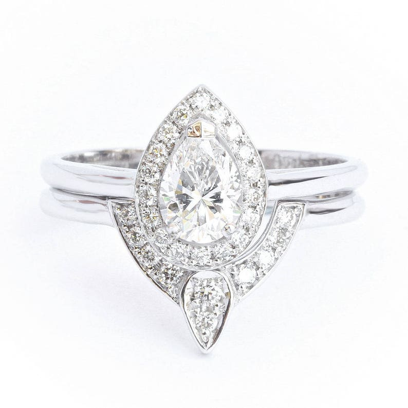 a7a1b7277309 Pear Diamond 0.5ct Halo Wedding Ring Set Unique Pear Diamond