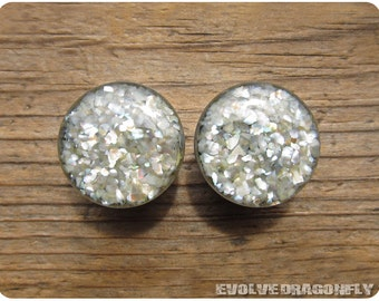 Ivory Mother Of Pearl Plugs - 2g, 0g, 00g, 7/16, 1/2, 9/16, 5/8, 3/4, 7/8, 1 Inch, 26mm