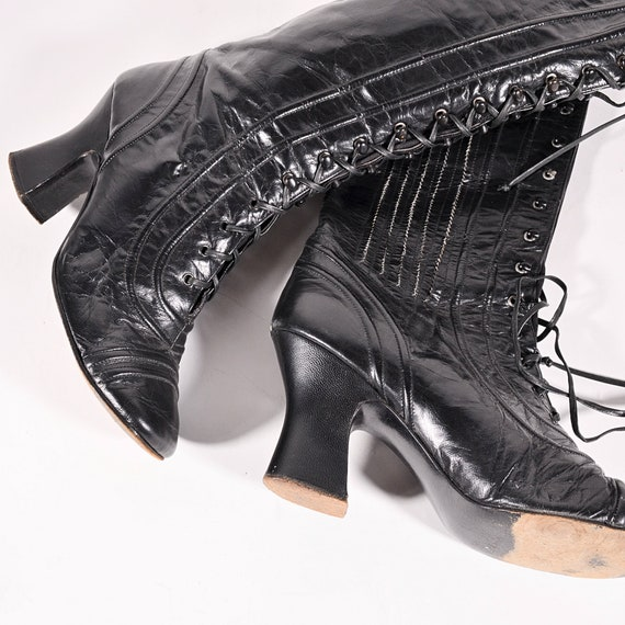 Vintage 1960s Black Leather Lace up Granny Boots b