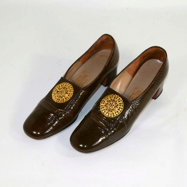 bd9626f8ad7 Vintage 60s Mod Brown Patent Leather Pilgrim Shoes Round Toe