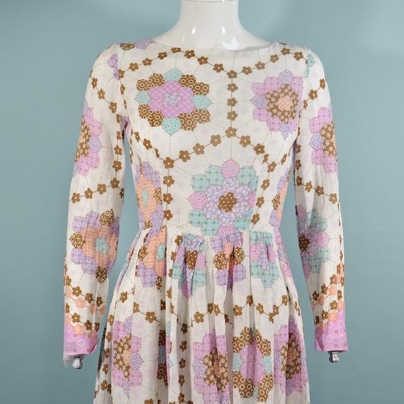 1960s Faux Patchwork Cottagecore Mini Dress, Fair… - image 4