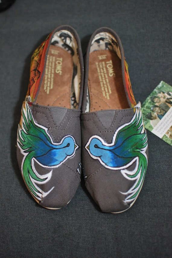 fb6a551c4 Custom Hand Painted Toms Shoes Sparrow by the Beach theme