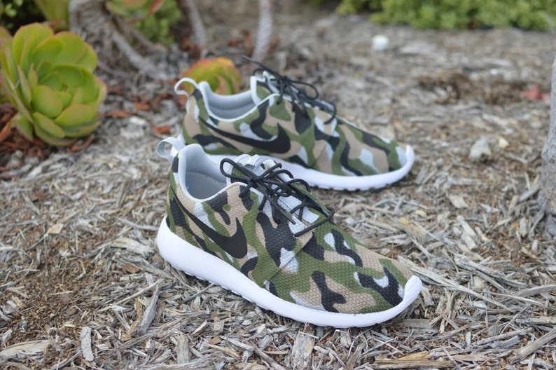 596d9f3b15b98 Camo Roshe One Hand Painted Custom Sneakers Camo Nike | Etsy
