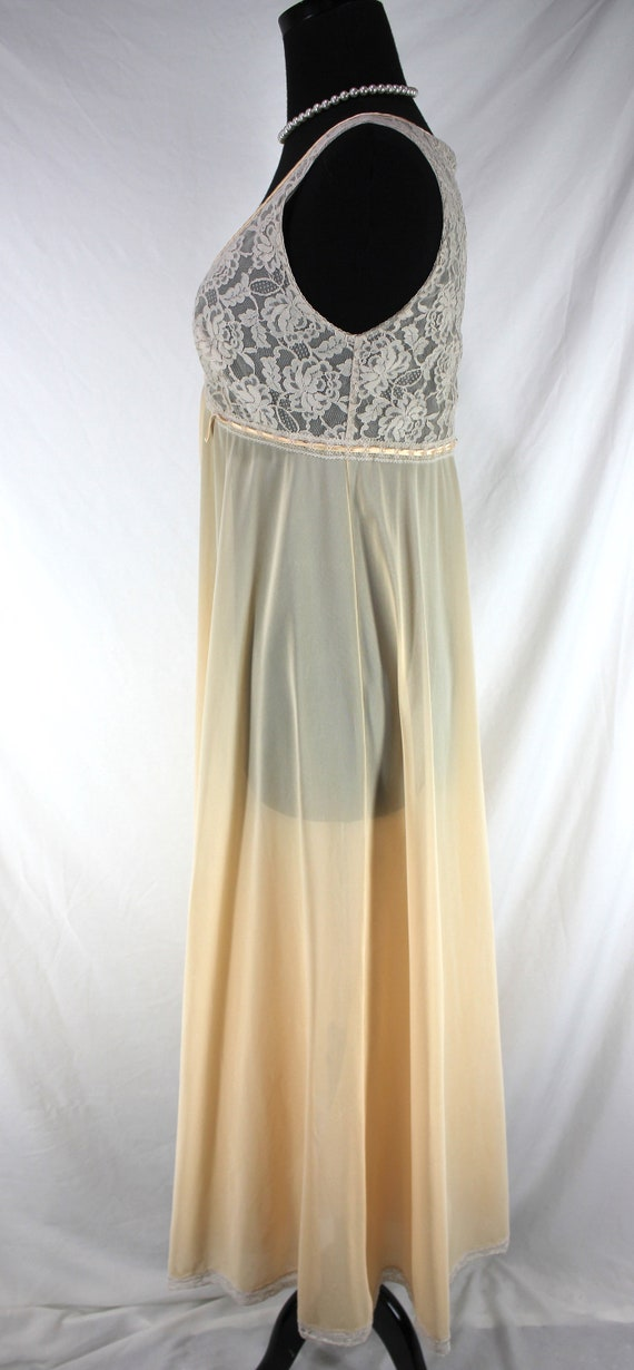 Vintage Lucie Ann Nightgown Lace Peach Sleeveless - image 3