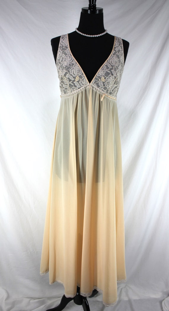 Vintage Lucie Ann Nightgown Lace Peach Sleeveless - image 2