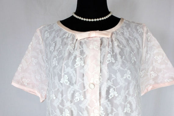 Vintage Dorian Pink Lace and Ruffle Robe Peignoir