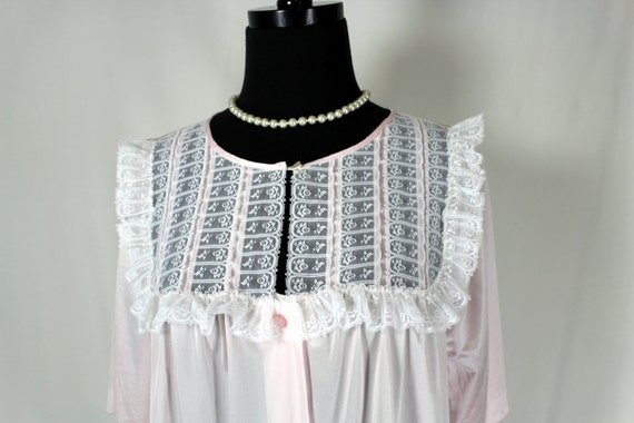 Vintage Gilead Pink Lace and Ruffle Robe Peignoir