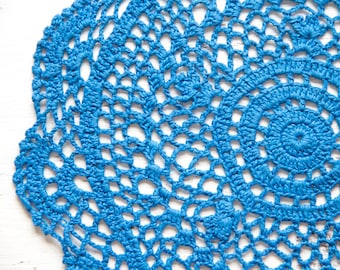 Blue Circle Crochet doily, hand dyed vintage round Doily FREE SHIPPING