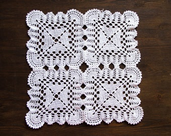 White square Crochet doily vintage Doily FREE SHIPPING shabby country chic table decor