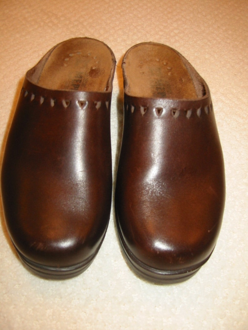 1fc2e1f4f7bb9 vintage womens dark brown Mephisto clogs - size 37 - excellent condition
