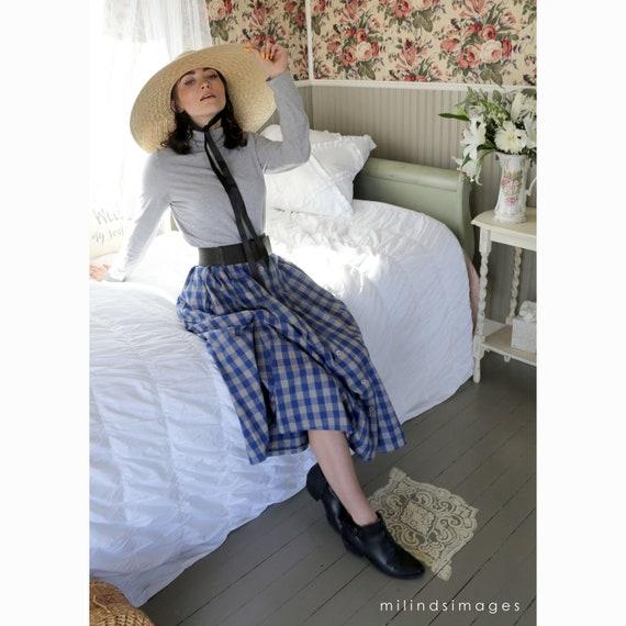 Vintage Oversized Praire Straw Hat with Black Rib… - image 4