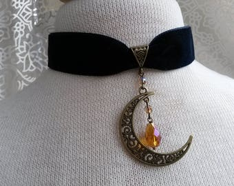 Choker necklace Goth velvet moon pendulum drop