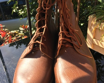 """Unusual slip sole leather boot ~ leather ~ lace ups ~  11.5"""" long"""