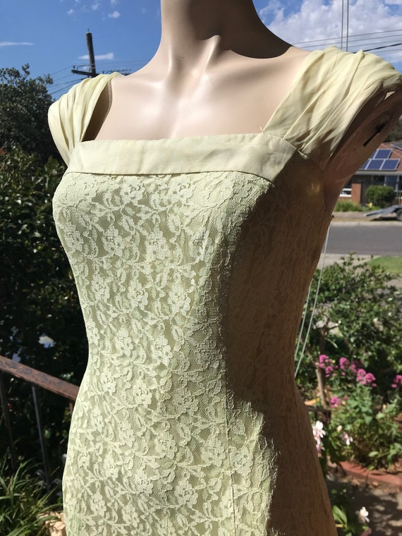 Misty morning 1930s 1940s chartreuse green dress /
