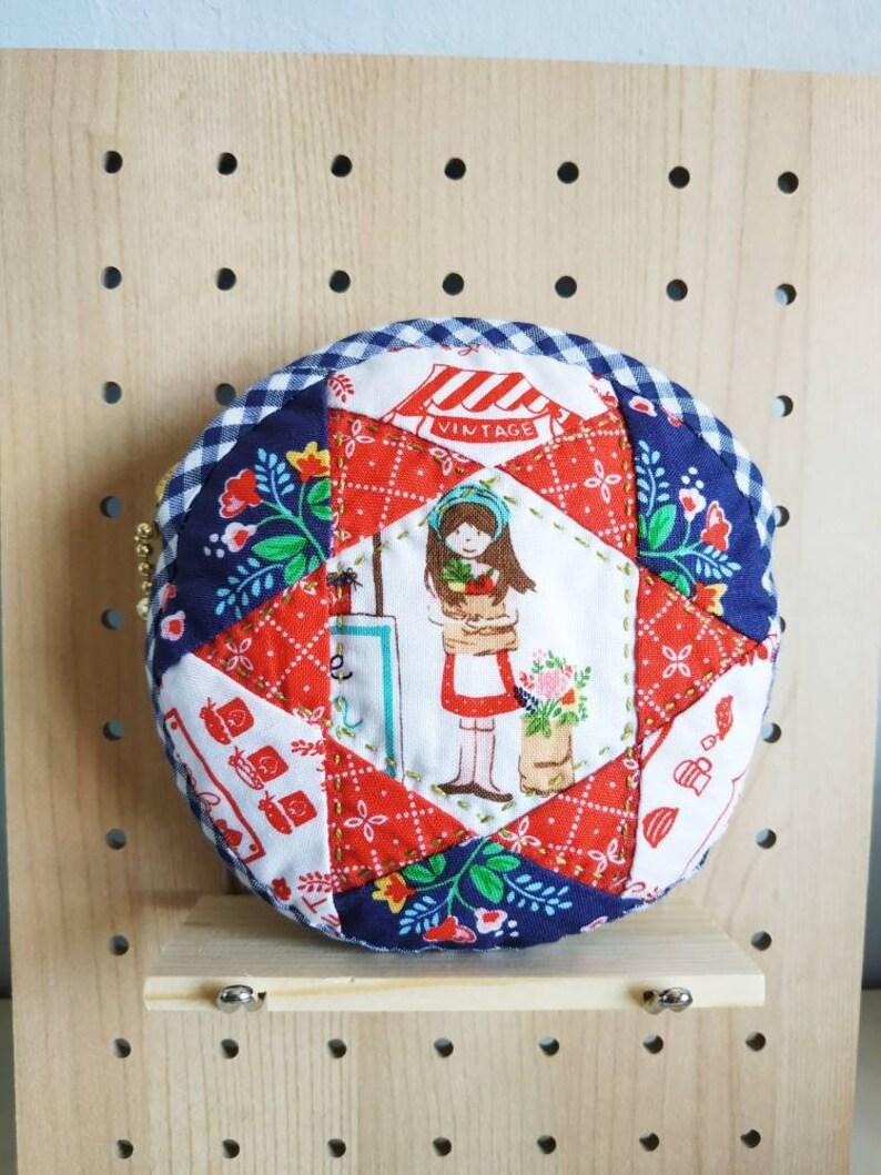 Handsewn round zip pouch Vintage Market image 0